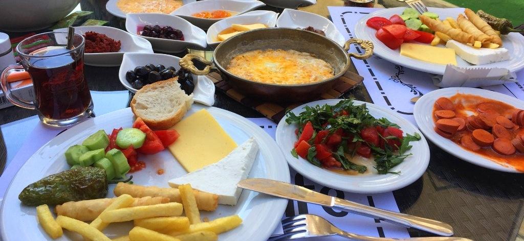 Çınar Cafe & Kahvaltı Salonu